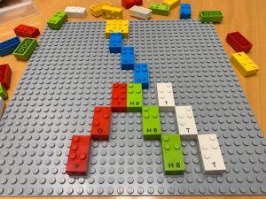 Los escolares ciegos ya disfrutan del LEGO en braille 1